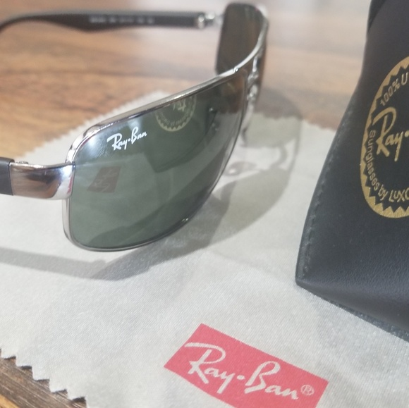 Ray-Ban Other - Just Like New!  Ray Ban RB3445 Designer Sunglasses